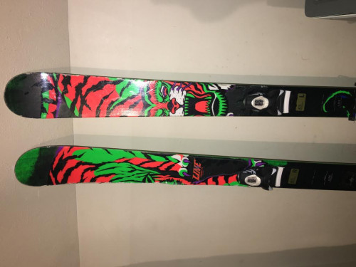 Line chronic park/powder skis with boots