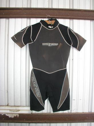 Dive N Surf 3/4 Wet Suit Size Large
