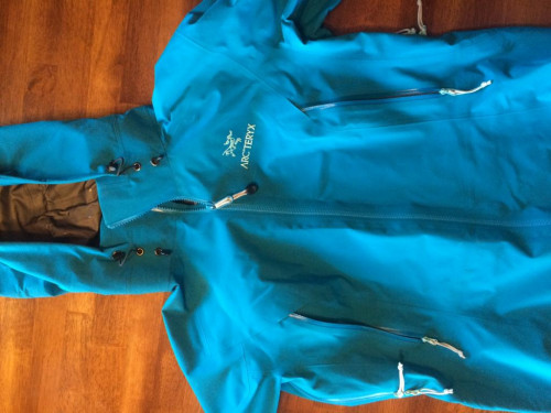 Arc'teryx Beta AR Women's Jacket (medium) Bondi blue