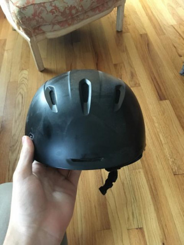 Lightly Used Giro Ski Helmet Size Medium