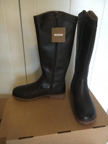 BOGS Women's Pearl Tall Chocolate Boot 7 B - Medium