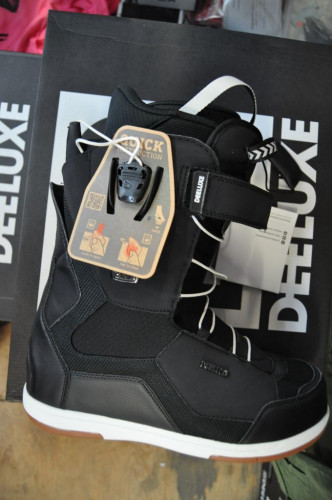 Deeluxe ID 6.2 TF snowboarding but, thermo moldable liners
