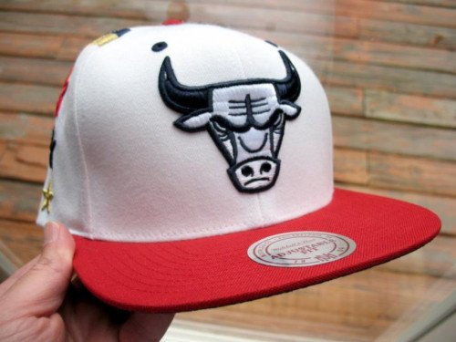 New Mitchell and Ness Chicago Bulls Hat