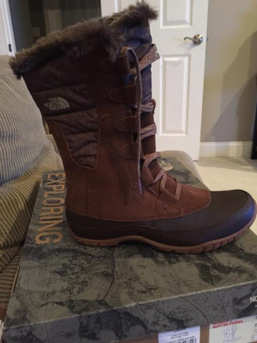 NIB The North Face Womens Nuptse Boots 9