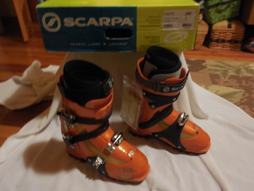 Scarpa Spirit 3 alpine touring boot size 9 / 28.0