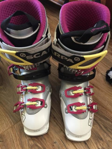 Scarpa Gea RS - Womens AT Boot. Size 24.0