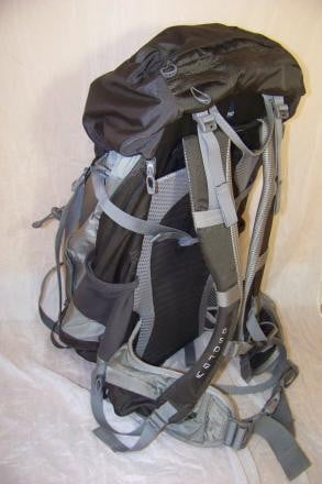 OSPREY Kestrel 48 pack. like-new