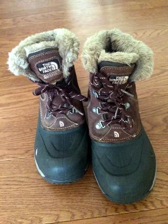 Girls youth snow north face snow boots