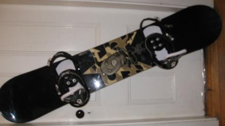 Salomon Arnie 5000 Snowboard  With Burton Bindings