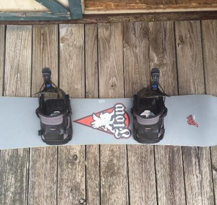 Snowboard 144cm, bindings & shoes