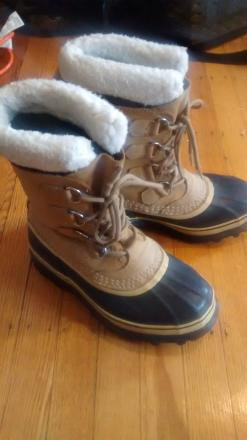 Sorel Caribou Winter Boots, Womens 7 (38)