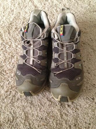 Salomon Awesome Trail Shoes Size 9