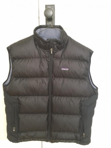 Black Patagonia Down Vest (Large)