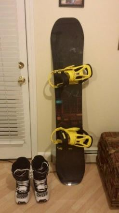 Burton Seven 154cm /10.5 Boots & Mission Bindings