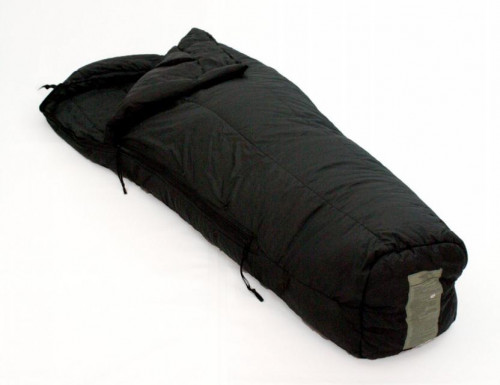 US Military 14F sleeping bag - fits up to 6 ft