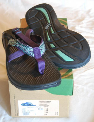 Women's Chaco Hipthong Two size 10