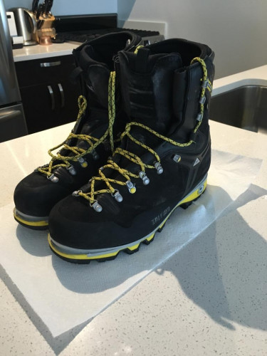 Salewa Pro Guide Insulated Mountaineering Boots (Size 12)