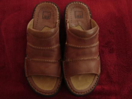 NIB: Mens Johnston and Murphy All-Leather Sandals