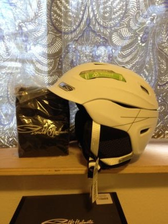 Brand NEW Smith Vantage helmet Medium