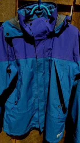 FS: Men's Mountain Equipment Co-op Goretex Hard Shell – Size Medium