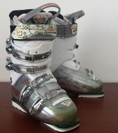 Nordica Hot Rod 90 Womens Ski Boots sz 24.0