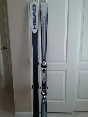Head Cyber Light Skis, bindings, poles & carry bag