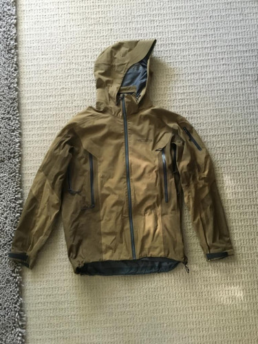 MENS ARCTERYX SABER JACKET, SIZE LARGE