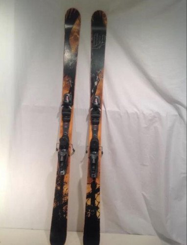 Line Chronic- 166CM with Rossignol Axium Bindings