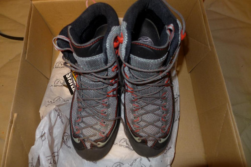 La Sportiva Xplorer Mid Gore-Tex, Approach Shoe, Men's 40.5